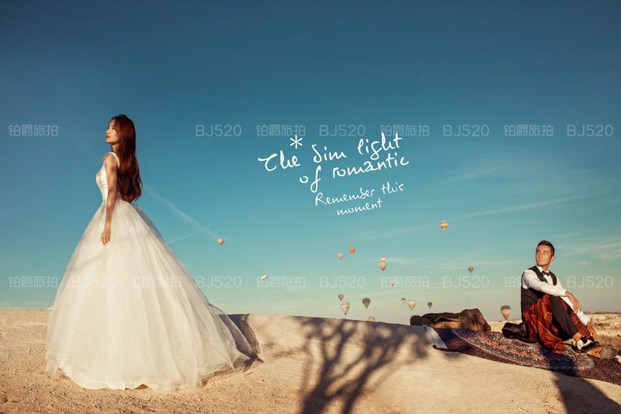 小编教大家怎样拍出自然的婚纱照,拍照需要注意什么?