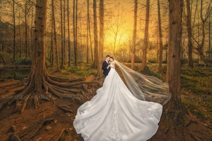 厦门十一月拍婚纱照的多吗?秋季拍婚纱照真的很美