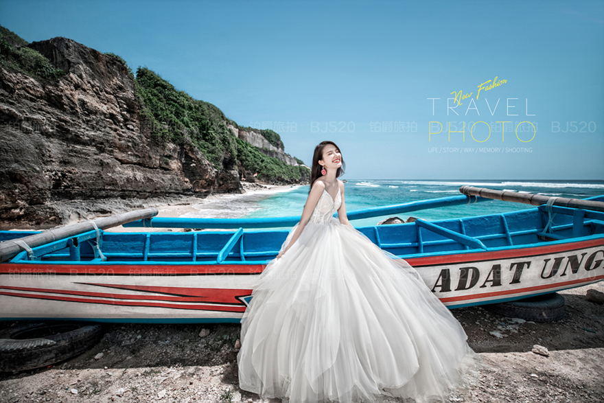 拍婚纱照如何选婚纱 婚纱照背景该怎么选呢
