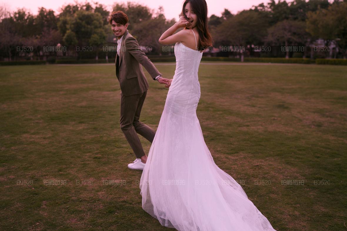 夏天拍婚纱照攻略 让你在炎炎夏日也能拍出超美婚纱照
