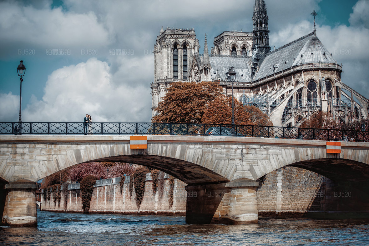 去巴黎拍婚纱照好不好 大约需要多少费用