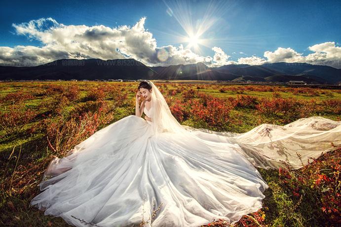 备婚的小姐姐快来看看:拍婚纱照适合什么发型