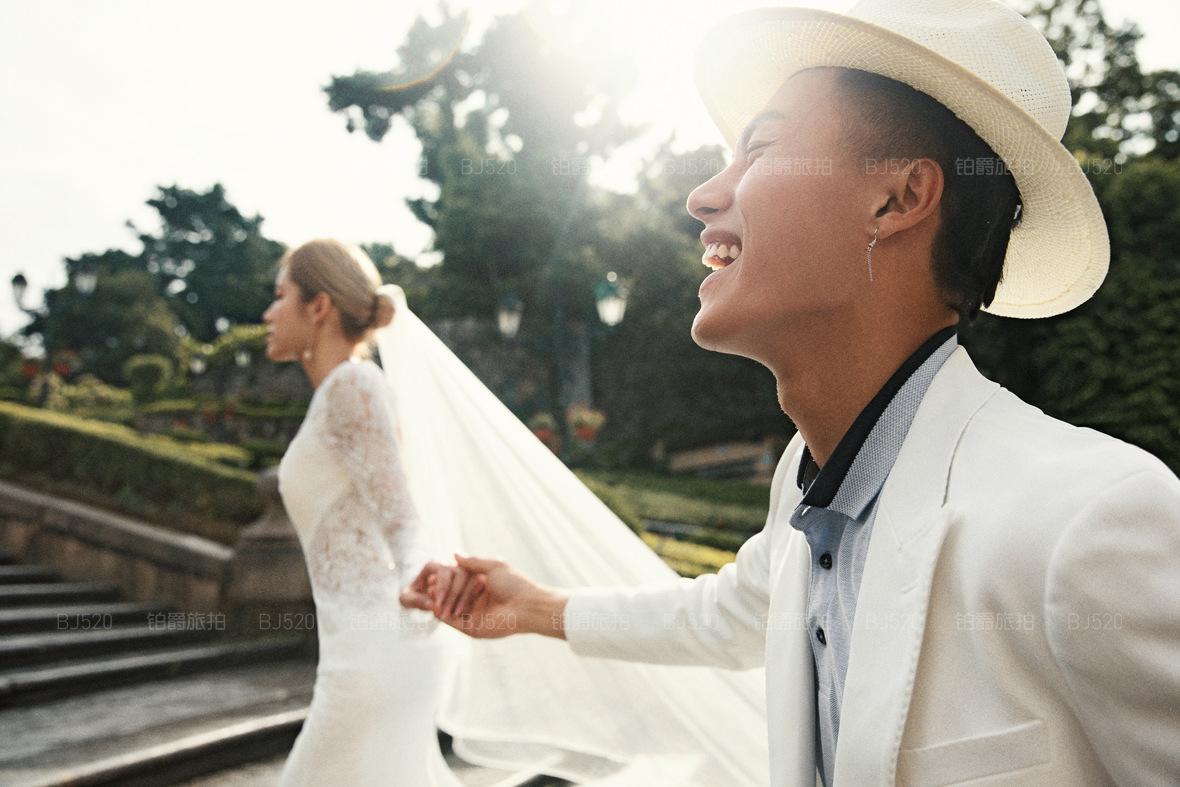 厦门旅拍婚纱照的价格行情如何?拍一套婚纱照要多少钱?