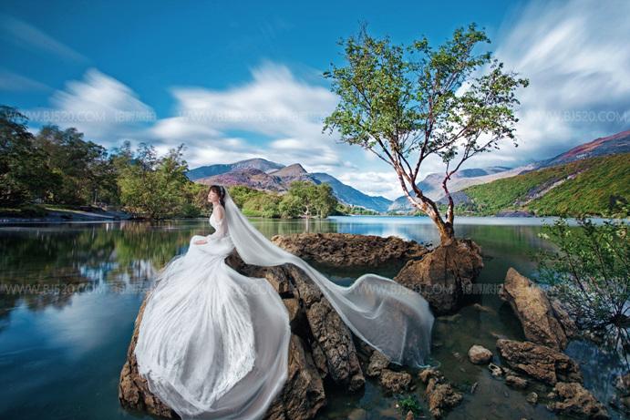 水下婚纱照的图片 教你如何拍出更美的婚纱照