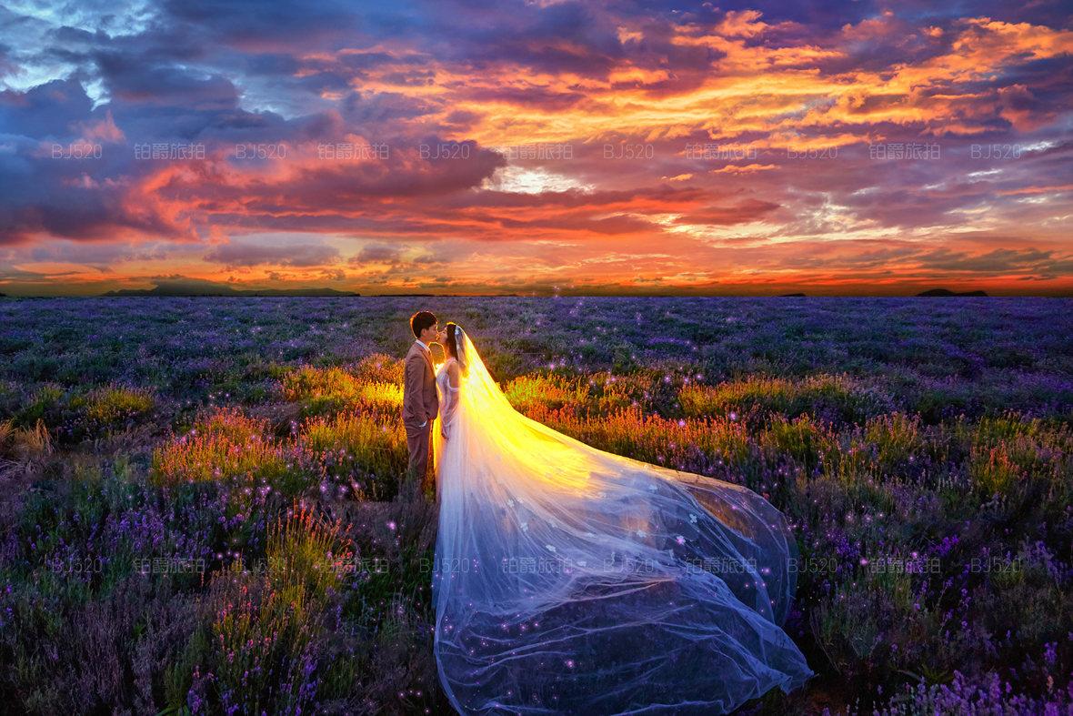 婚纱照挂客厅的正确图 婚纱照可以挂在客厅吗