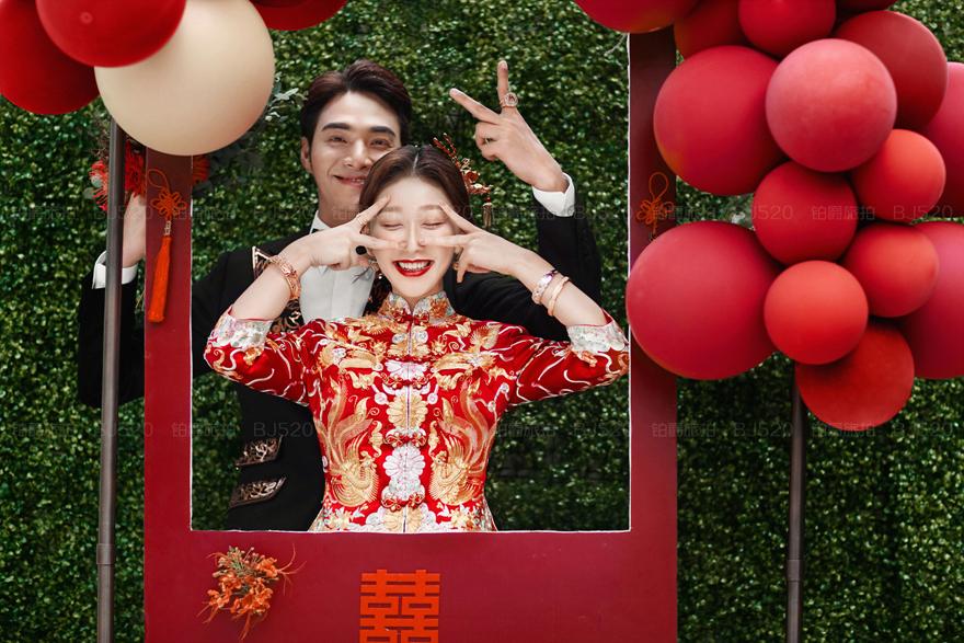 凤冠霞帔婚纱 中式婚纱的传统风情
