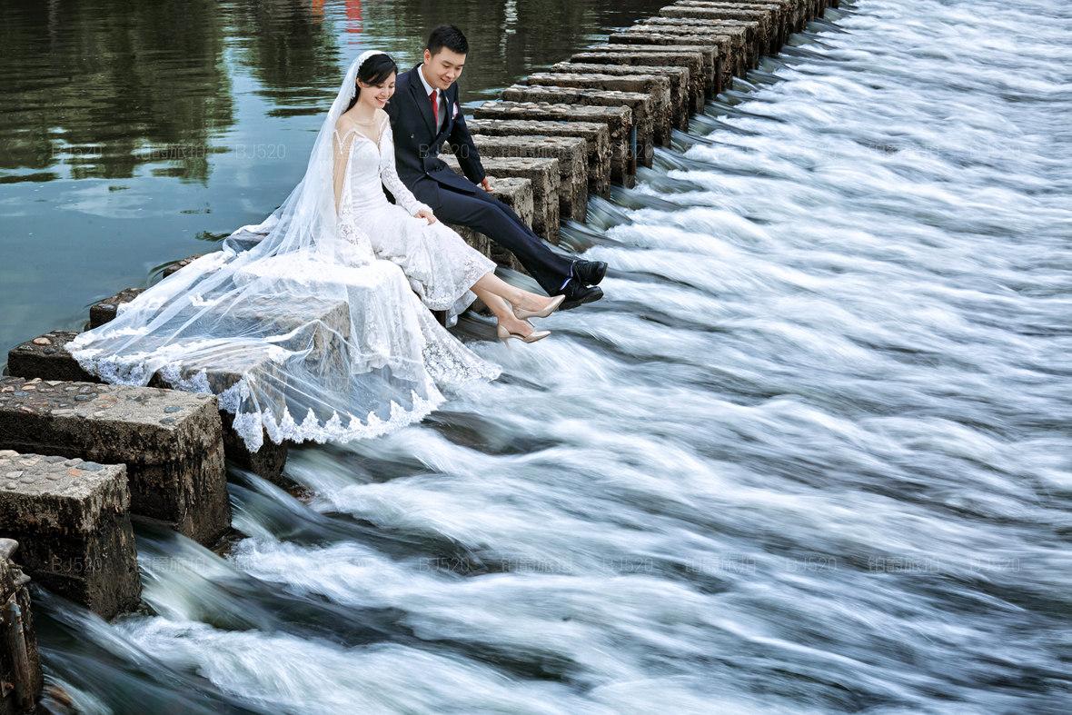 新娘腿粗怎么办?拍婚纱照如何显瘦?小编教你打造修长美腿!